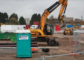 Top 10 Reasons You Should Hire Portable Toilets for Your Construction Site